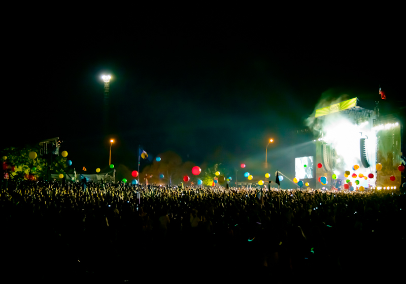 Coldplay Stage & Crowd - ACL 2011